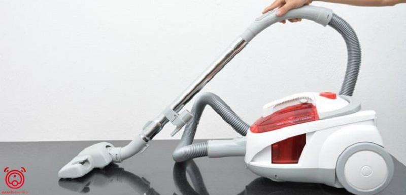 Máy hút bụi thông minh làm sạch nhà cửa nhanh chóng