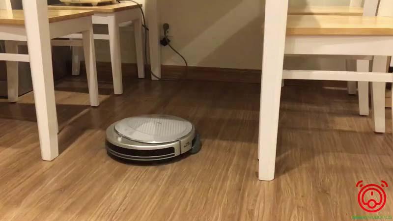 Robot hút bụi lau nhà Haier di chuyển cực kỳ linh hoạt
