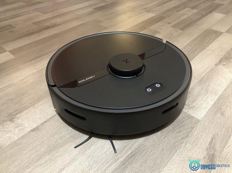 Robot hút bụi lau sàn nhà với hệ thống cảm biến thông minh