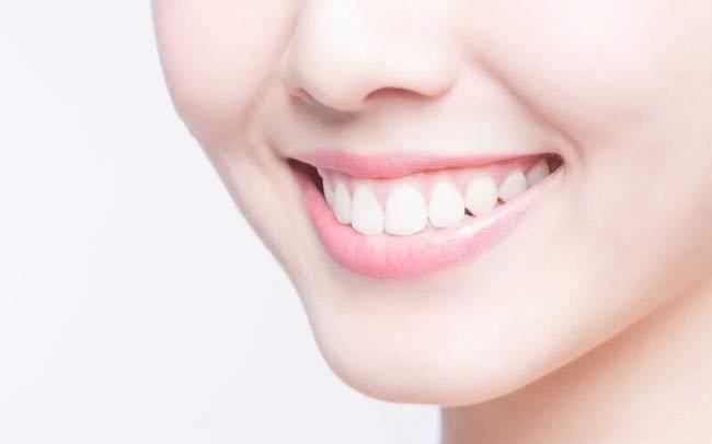 Làm trắng răng và đem đến hơi thở thơm mát